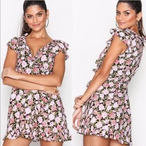 {Motel} NWT Floral Dress